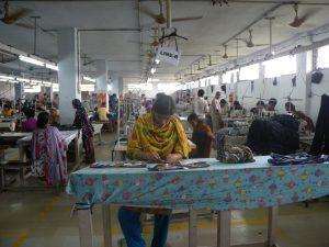 del-Garment_factory_in_Bangladesh_Women_working
